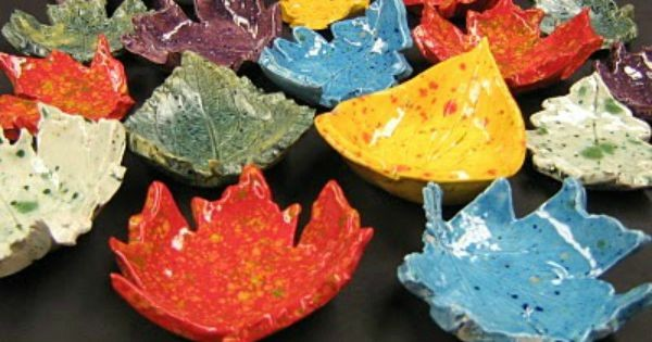 LEAF BOWLS - simply beautiful! Simple Leaf Lanterns for Kids and preschoolers. Lovely nature craft for Autumn and Thanksgiving #leaf #leaves #leafcraft #leaflantern #nature #autumn #autumncraftskids