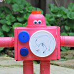 Kids Get Crafty – Robots!