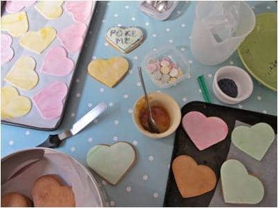 Easy Conversation Heart Cookies. How to make Love Heart Cookies. Homemade Conversation Heart Treats to give to Classmates. Valentines Day Ideas for Kids #ConversationHearts #hearts #cookies #valentines