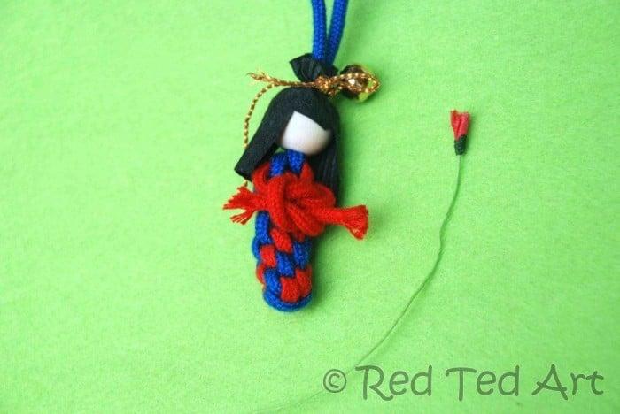 how to make a scoubidou doll
