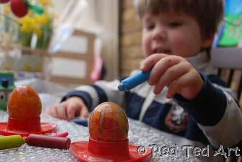Last Minute Crayon Eggs Easter Craft