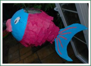 How to.. make a Paper Mâché Piñata Fish!