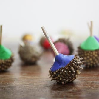 autumn crafts dreidel acorn