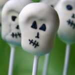 How To… Make Halloween Skull Cake Pops (Guest Post)