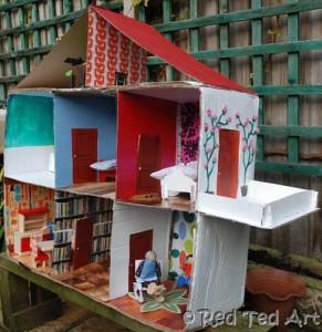 Diy dolls house