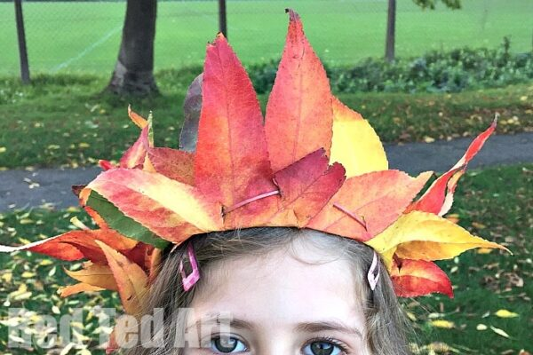 Easy Leaf Crown made only from leaves - this is a fun activity to do whilst out and about and needs nothing but leaves! Who will be king for the day