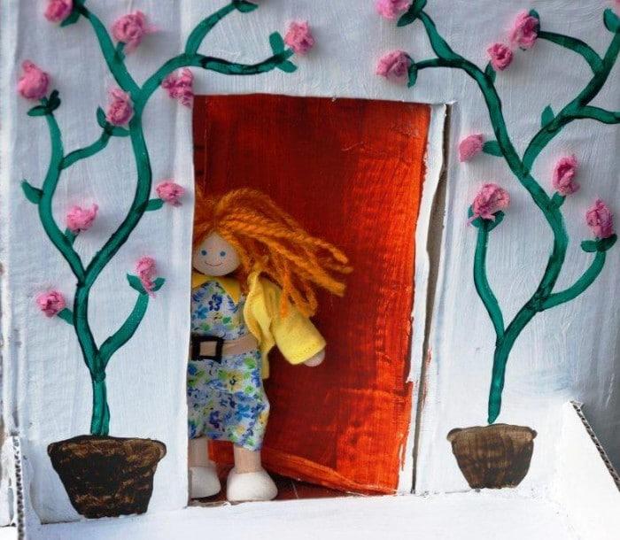 diy cardboard dolls house