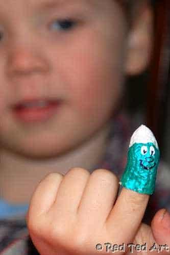 Peanut Finger Puppet