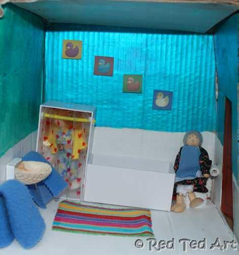 how to make a dolls house