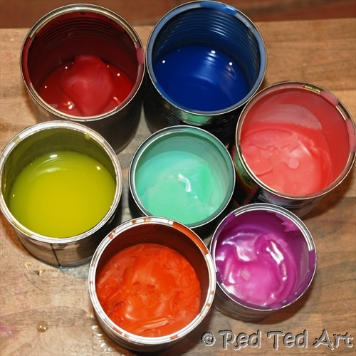 Crayon Egg Candles. Fun Easter Egg Candle DIY. Great Easter Gift for Grown Ups. Easter Basket Ideas for Adults. Thirfty Recycled Egg Candle How to. How to make an egg candle from Crayons. #Eastereggs #eggs #candles #crayons #gifts #recycling
