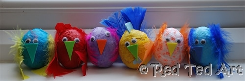 Easy Easter Egg Decorating for kids. Kids in preschool right through to middle school can enjoy making these wonderfully fun and colourful Easter Chicks. So easy so cute!! And also a great thrifty craft too!