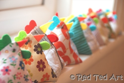 How to make juggling chooks red ted arts blog juggling chickens bean bags these are so cut and so easy to make they negle Images