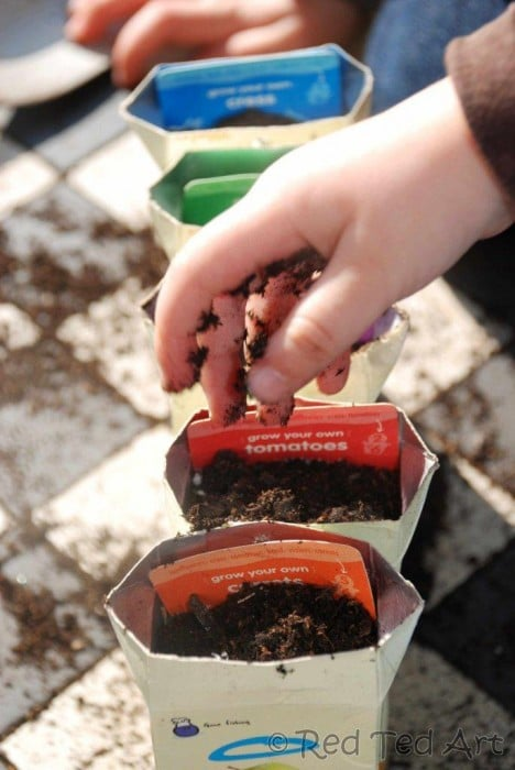 "Simple DIY Seedling pots to ""make"" at home. Click through for more thrifty and upcycled garden craft ideas."