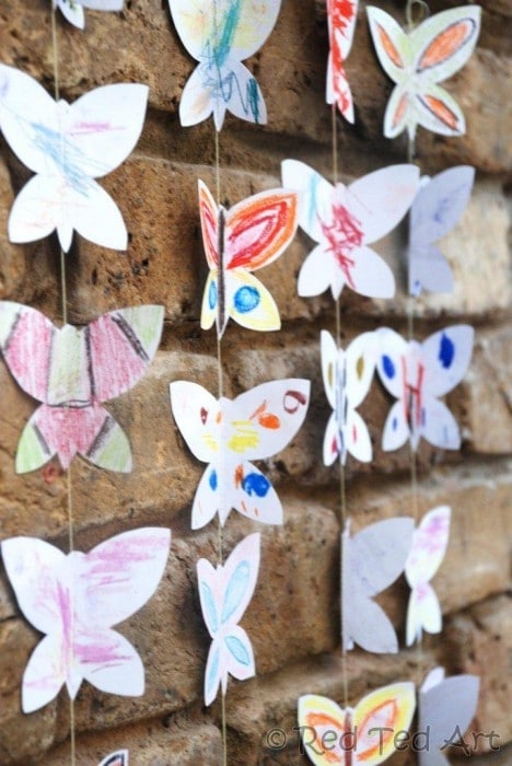Butterfly mobile for tots and preschoolers - this is a lovely collaborative project where all the family can join in.