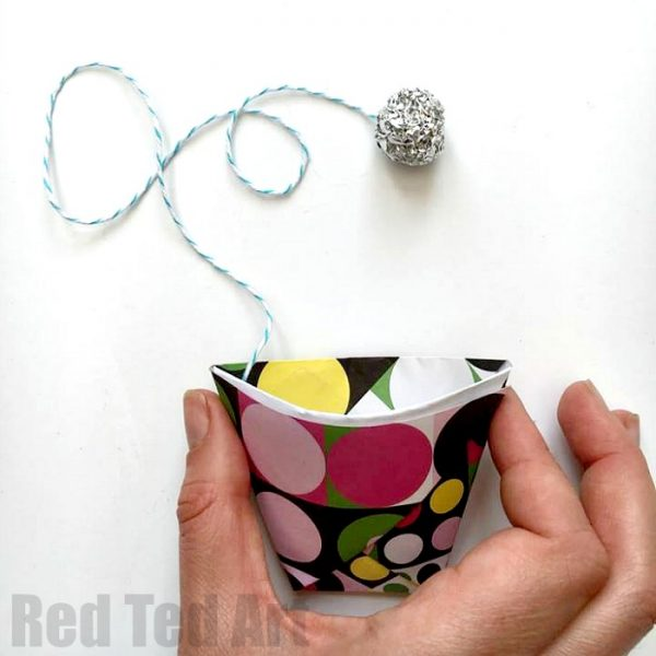 Easy Origami Paper Cup and Ball Game. A quick and fun craft - hours of fun!
