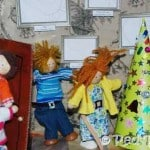 Kids Crafts: Christmas at The Dolls House