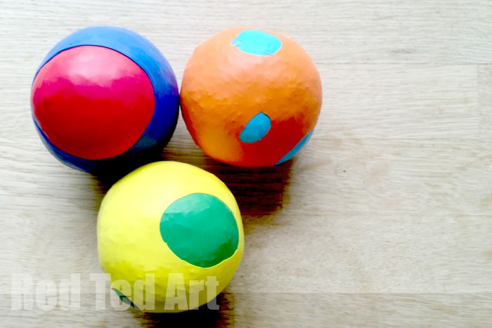 Kids Crafts: Balloon Juggling Ball for 4th July