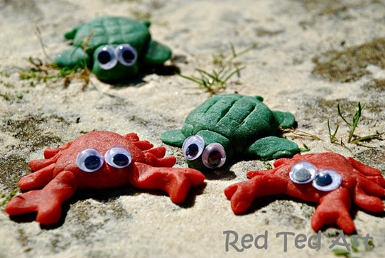 Kids Crafts: Crab & Turtle Fridge Magnets (Salt Dough Recipe)
