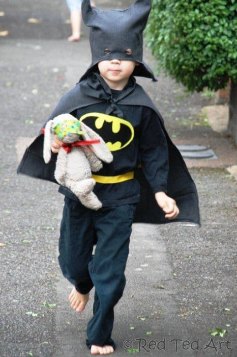 Batman Costume DIY   How To Turn And Old Suit Into A Batmn Costume For Kids