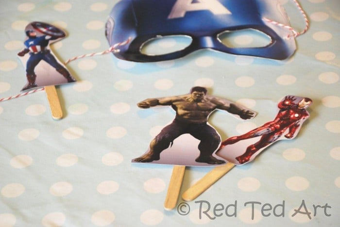 easy superhero crafts