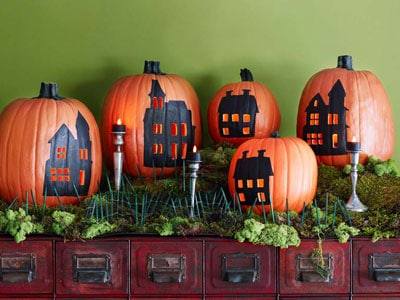 HalloweenDecor-pumpkinhouses-Cvsce9-mdn