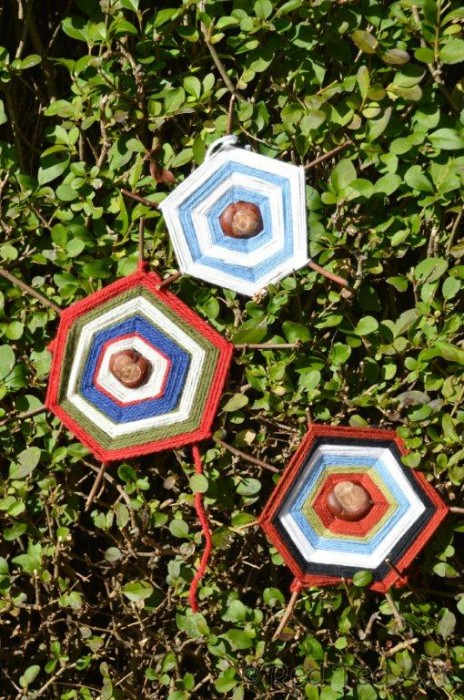 Tactile Chestnuts Autumn Craft – Chestnut Spiderwebs