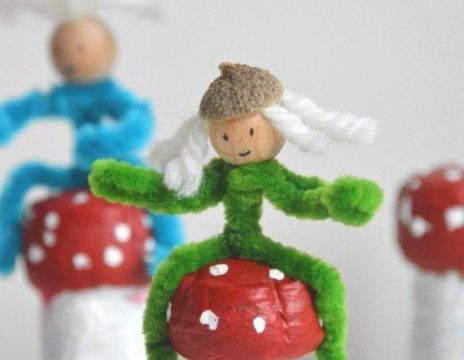 Kids Crafts: Easy Mushroom Cork Crafts