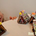Kids Craft: Easy Mini Gingerbread Houses