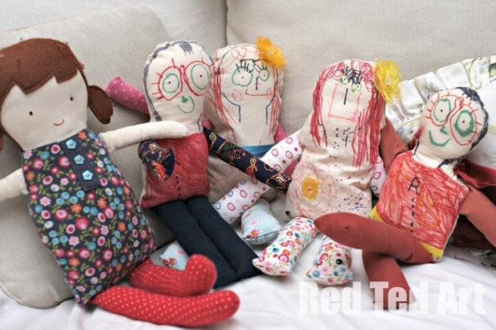 keepsake dolls - making kids' art rag dolls. A great introduction to sewing and toy making with little kids. The results make the most wonderful keepsake dolls too! #sewing #kidsart #ragdoll