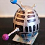 Egg Decorating: Dalek Easter Egg