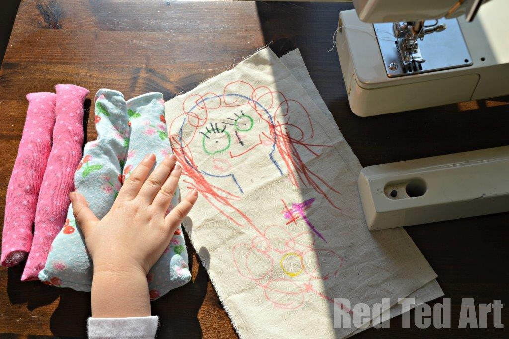 Making Kids Rag Dolls. keepsake dolls - making kids' art rag dolls. A great introduction to sewing and toy making with little kids. The results make the most wonderful keepsake dolls too! #sewing #kidsart #ragdoll