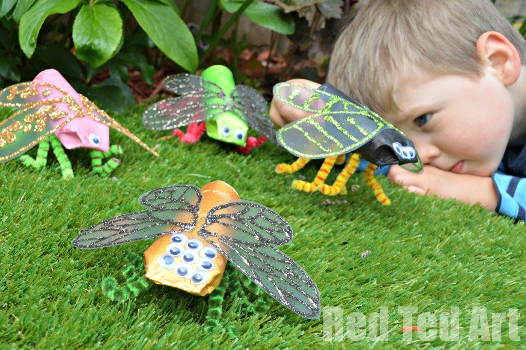 Toilet Paper Roll Minibeast Craft - if your kids love bugs or minibeasts, make these fabulous Toilet Paper Roll Bugs this Spring or Summer. #toiletpaperroll #toiletroll #bugs #minibeasts #preschool #teachers