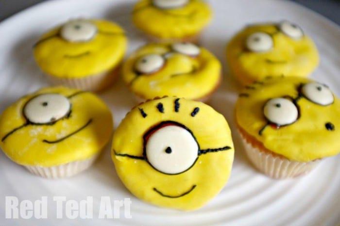 Minion Cupcakes