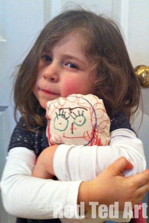 rag dolls by kids, keepsake dolls - making kids' art rag dolls. A great introduction to sewing and toy making with little kids. The results make the most wonderful keepsake dolls too! #sewing #kidsart #ragdoll