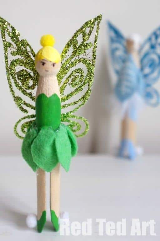 Oh how we love tinkerbell!! And those WINGS are just magical! Adorable Tinkerbell Clothespeg DIY. Love love love. Hope you get to make one of these fairy dollies too!
