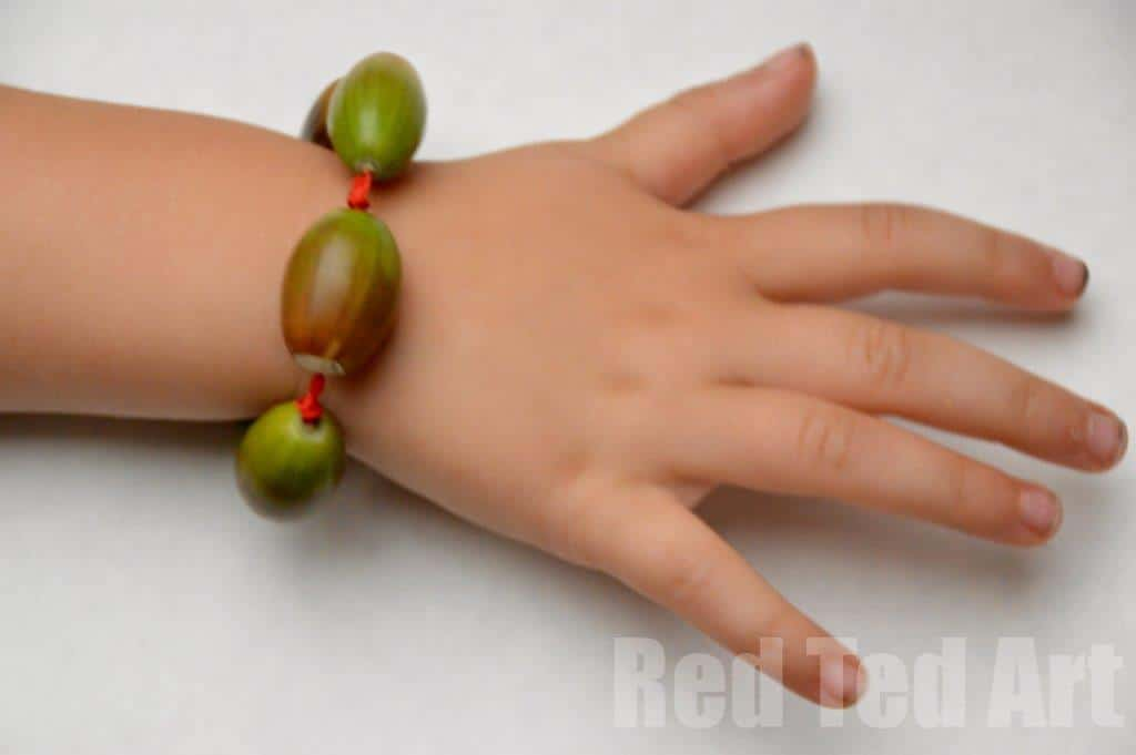 Acorn crafts bracelets red ted art 39 s blog for How to preserve acorns