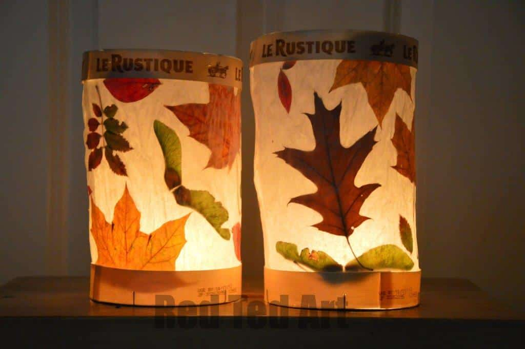 Simple Leaf Lanterns for Kids and preschoolers. Lovely nature craft for Autumn and Thanksgiving #leaf #leaves #leafcraft #leaflantern #nature #autumn #autumncraftskids