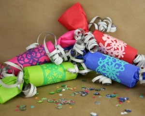 Kid-Friendly-Party-Crackers_product_main