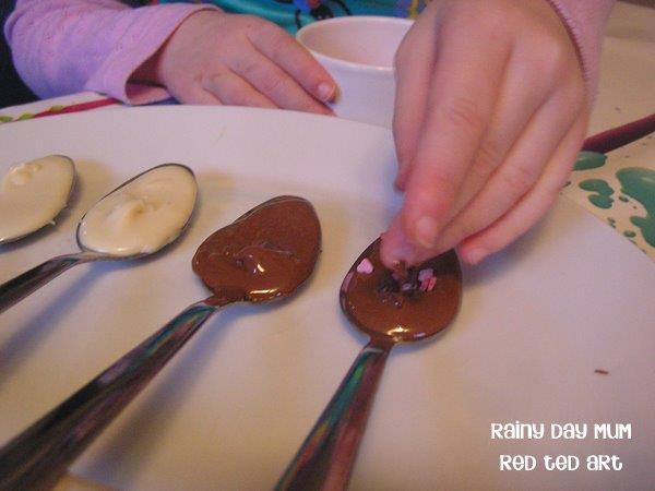 Chocolate-Spoon-Sprinkles