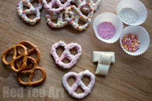 Easy Chocolate Pretzel Treat