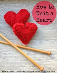 Valentines Decorations: How to knit a heart - make a whole set of these and turn them into a garland