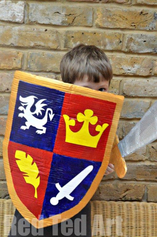 Mike the Knight Craft. Cardboard Shield Craft #cardboard #knights #digknightsshield