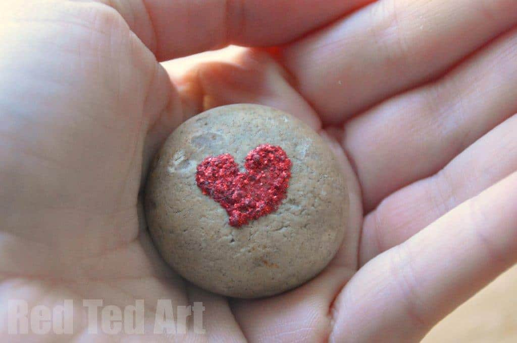 Valentine S Gifts Heart Stone Crafts Red Ted Art S Blog