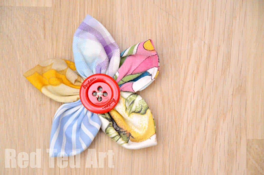 Easy fabric flowers red ted art 39 s blog for Cool fun easy crafts