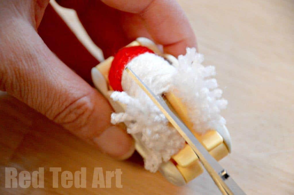 How to use a pompom maker for kids