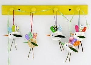easy-spring-crafts-kids-bird-mobile-5 - Spring Craft Ideas