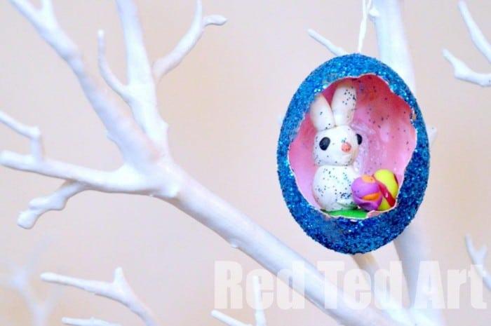 Easter Glitter Egg Diorama