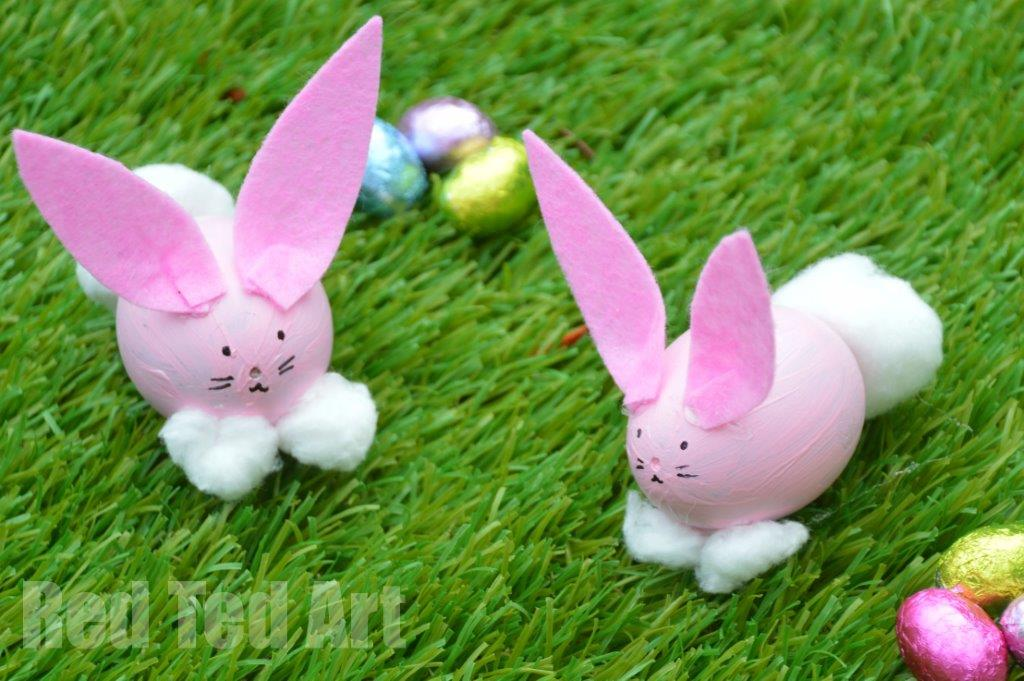 Egg Decorating Easter Bunny Craft Red Ted Art