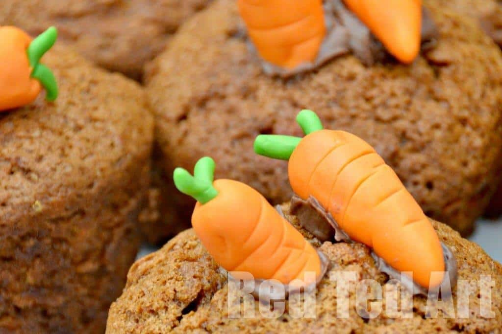 How to make carrots.Deliciously easy and spongy Carrot Cupcake Recipe! This carrot cake recipe is great for kids.. decorate them with adorable and easy fondant carrots as the perfect Easter treat or Easter Cupcake sale #treats #easter #cupcakes #carrotcake