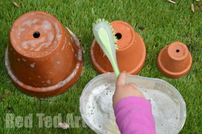 Garden crafts - flower pot painting